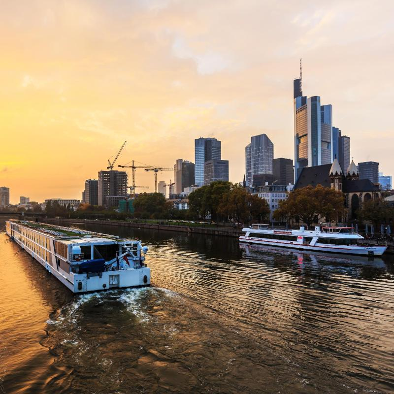 The 30 best hotels in frankfurt germany for Innenarchitekt frankfurt am main