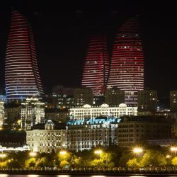 Tòa nhà phức hợp Flame Towers, Baku