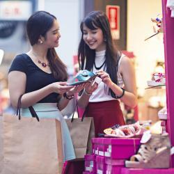 מרכז הקניות כיכר סמיניאק