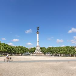 Quảng trường Esplanade des Quinconces