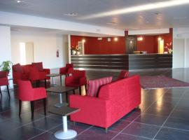 Santa Loja Hotel Residence, Tito
