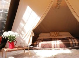 Vintage Canvas Glamping, North Chapel