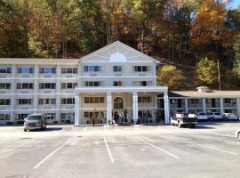 Cherokee Grand Hotel, Cherokee