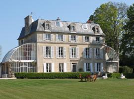 Chambres d'Hôtes Château de Damigny, Saint-Loup-Hors