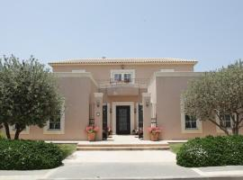 Luxury Villa Casa Caesarea on the Golf Course, Cesareia