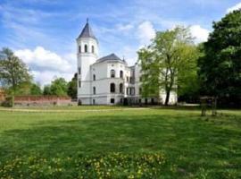 Schlosshotel Bredenfelde, Bredenfelde