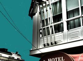 Hotel Kensington, Narón