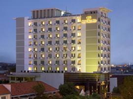 Hotel Santika Pandegiling - Surabaya