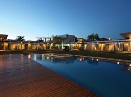 Hotel Camberland, Pilar