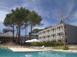 Howard Johnson Hotel & Convention Center Madariaga - Carilo, Carilo
