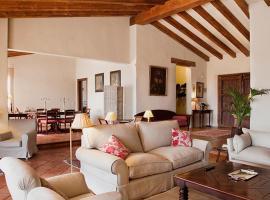 Lantero Horse & Lodge, San Román