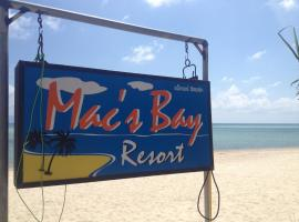Mac's Bay Resort, Baan Tai
