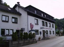 Gasthaus Roter Hahn, Höflein an der Donau