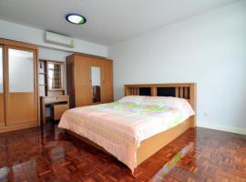 Lake View Condominium Superior, Thung Si Kan