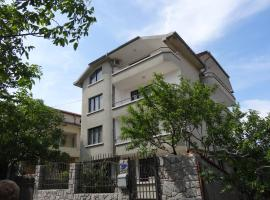 Yanevi Apartments, Chernomorets
