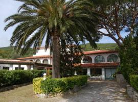 Hotel Marelba, Cavo