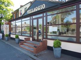 Villaggio, Warrington