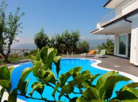Villa Marinella, Cicerale