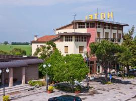 Hotel Adriatico, Borgo Fosso Ghiaia
