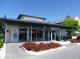 Premiere Classe Avignon Parc Des Expositions, Montfavet