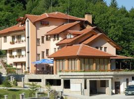 Blyan Family Hotel, Chiflik