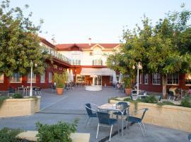 Hotel Mitra, Cabra
