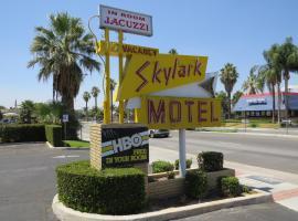 Skylark Motel, Riverside