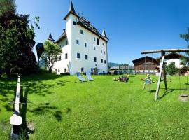 Saalhof Castle, Maishofen