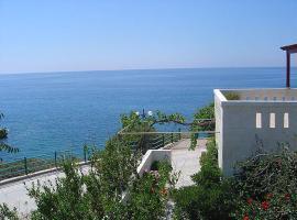 Akrotiri Apartments, Makriyialós