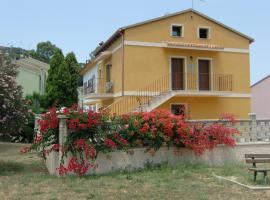 La Casa Gialla, Carloforte