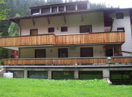 The Treehouse Backpacker Hotel, Grünau im Almtal