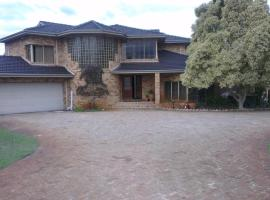 The Vines Avenue Guesthouse, Upper Swan