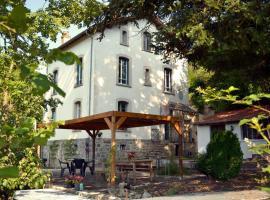 Chambres et Table d'Hôtes Les Garachons, Sauret-Besserve
