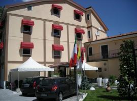 Hotel de Meis, Capistrello