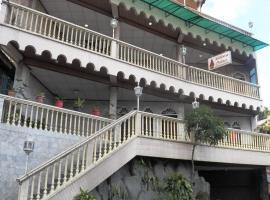 Melissa Palace, Parapat