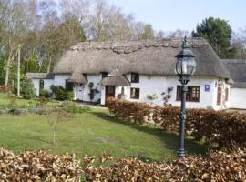 Thatch Cottage Guest House, Three Legged Cross