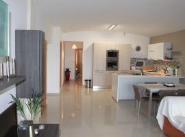 Bayview Apartments, Qala