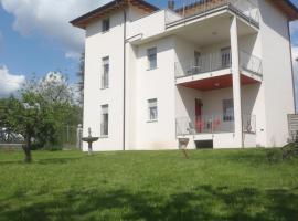 Villa Emilia, Castronno