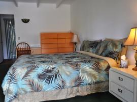 Vista Grande Resort - A Gay Men's Resort, Palm Springs