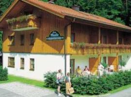 Ferienwohnungen Haus Monika, Bayerisch Gmain