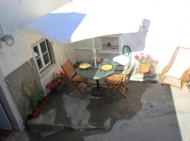 Villa Almoçageme, Colares