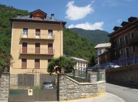 Apartamentos Valles, Broto