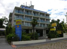 Addison Hotel