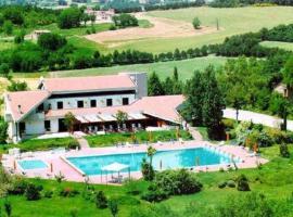 Holiday Hill, Rosceto