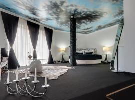 Hotel Bats, Petrich