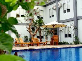 Grand Royal BIL Hotel, Praya