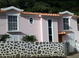 Pink House, Arco da Calheta