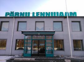 Pärnu Airport Hostel, Sauga