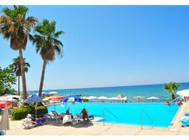 LA Hotel & Resort, Lápithosz