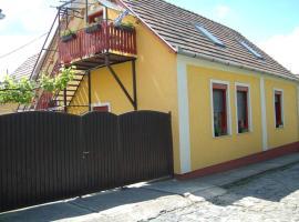 Zách Klára utcai Apartman, Visegrád